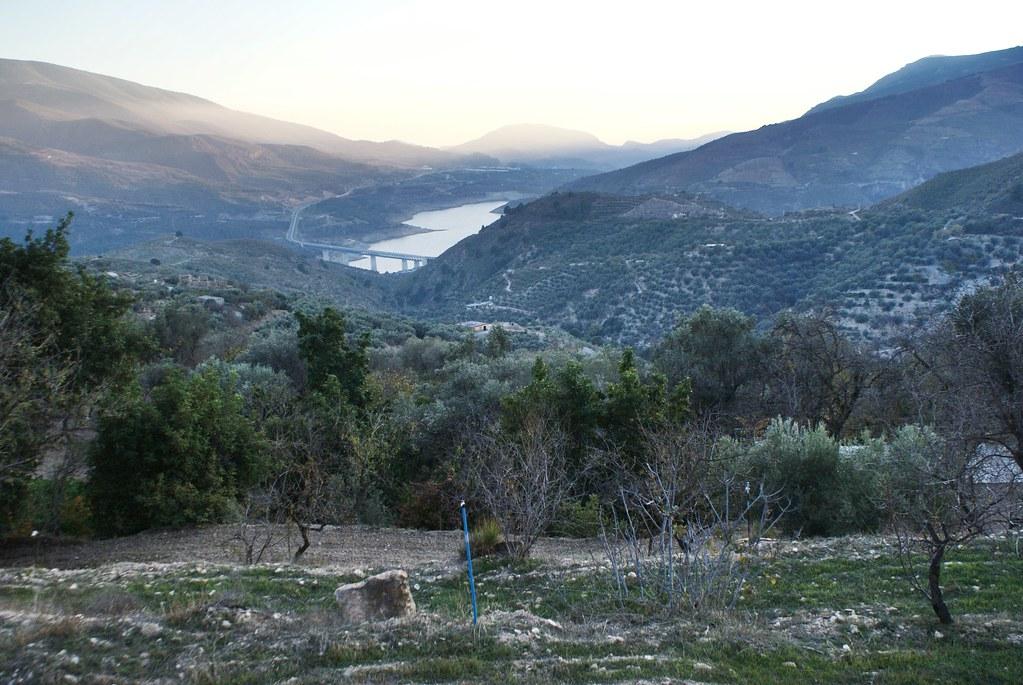 Réserve d'eau du Rules reservoir près de Lanjaron en Andalousie.