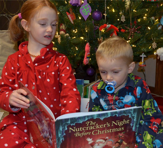 Christmas Bed time stories on The SIMPLE Moms