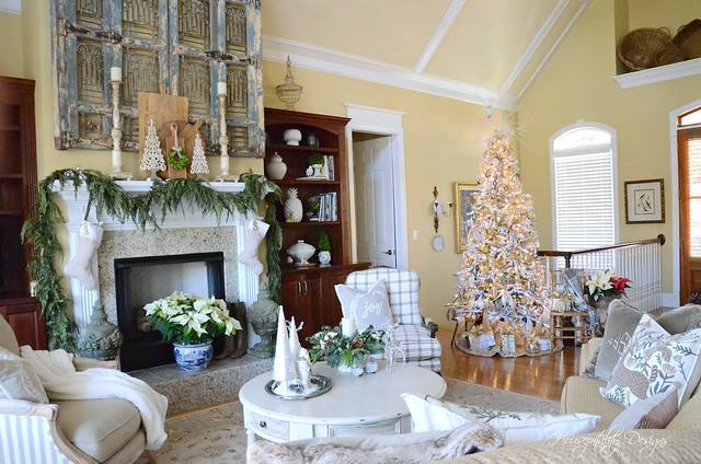 Christmas GreatRoom-Housepitality Designs-2