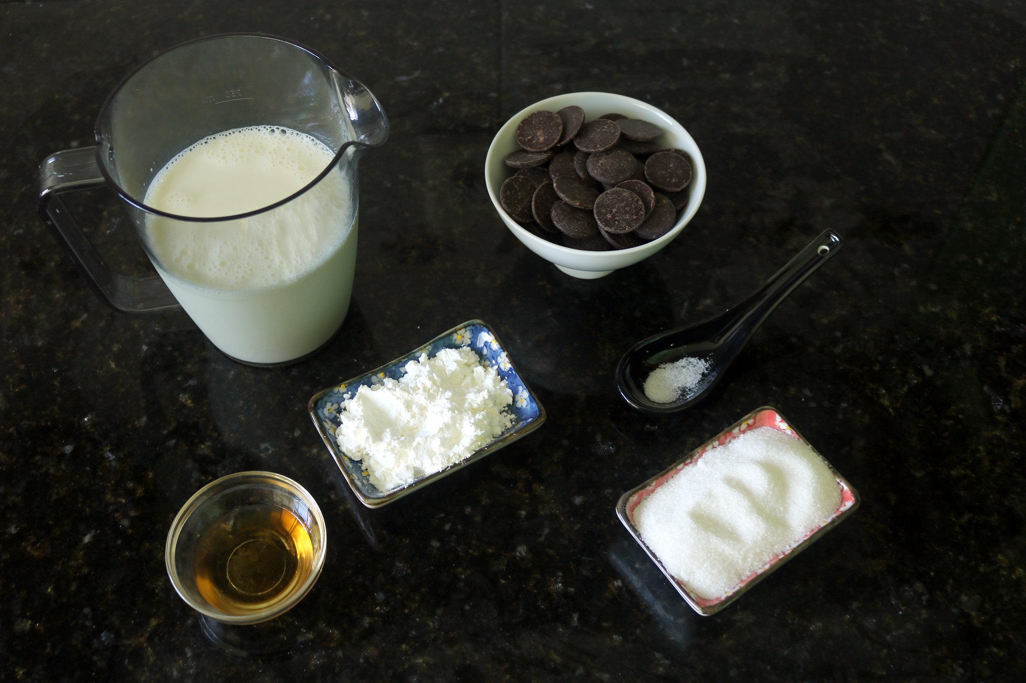 Potinhos de Chocolate