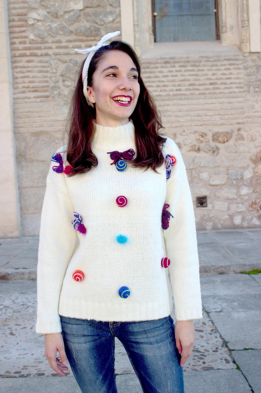 madlula-newcollection-jersey-alegría-blanco-detalles-lazos-pompones-moda