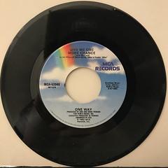 ONE WAY:CUTIE PIE(RECORD SIDE-B)