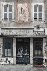 Tissus rue de Beauraing - Désertification - Photo of Navilly