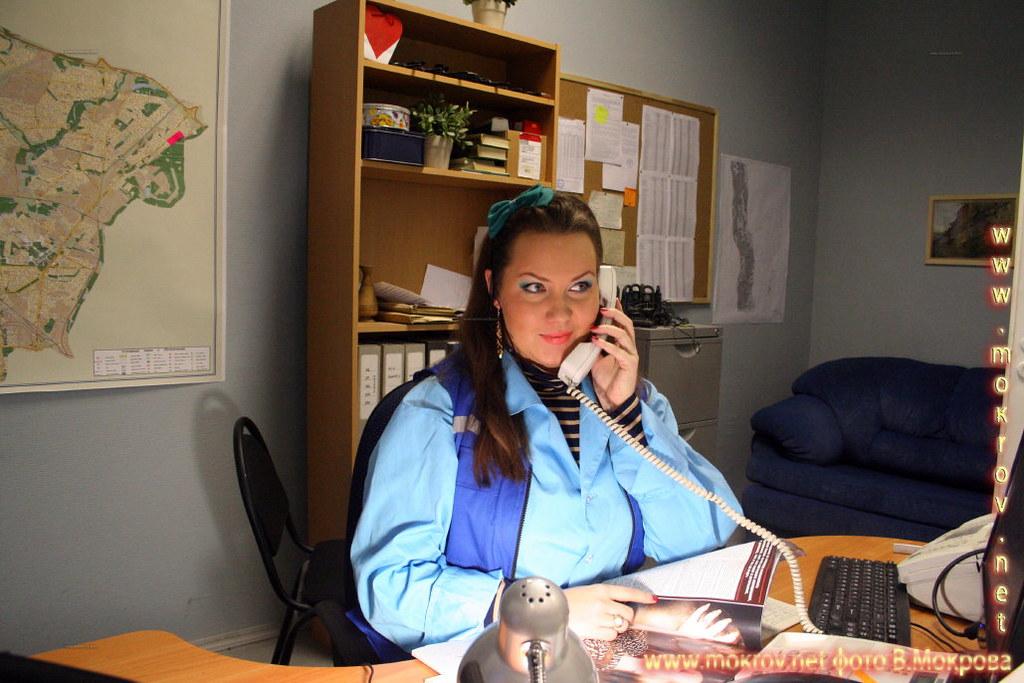 Актриса - Анна Барсукова - Соколова, диспетчер станции скорой помощи. В телесериале «Страна 03».