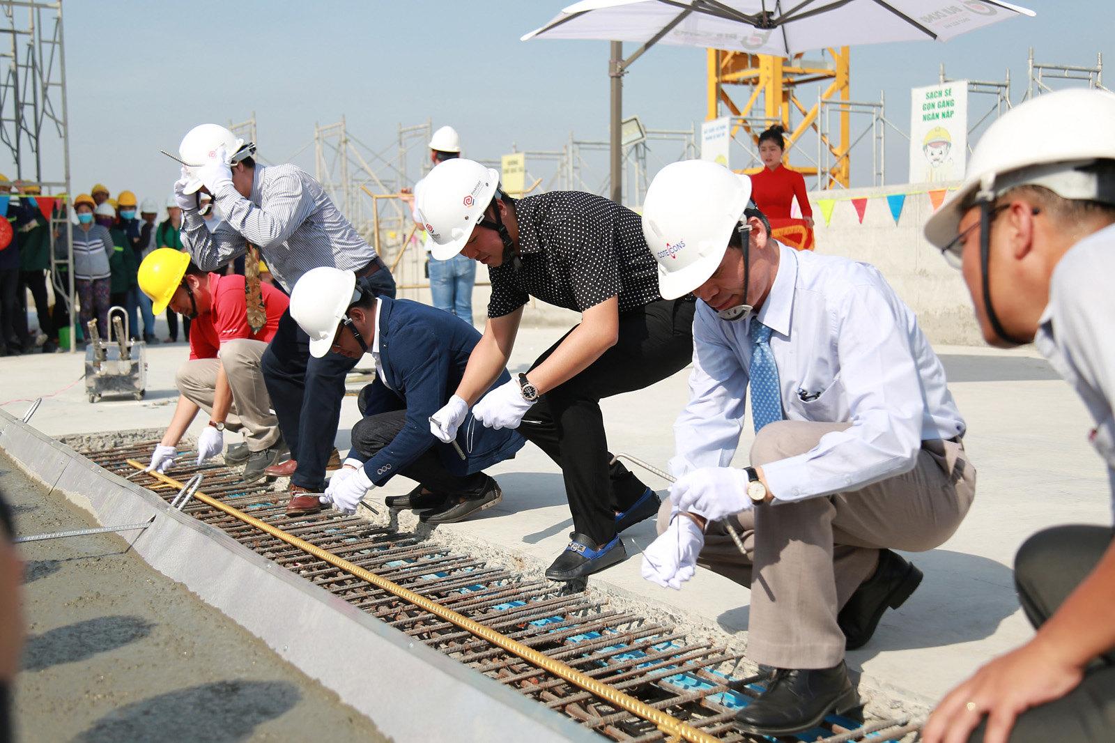 Dự án Millennium quận 4 đã tiến hành cất nóc thành công.