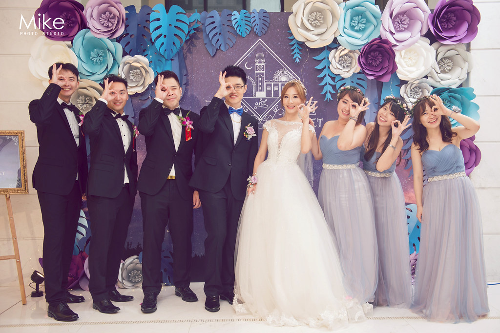 """""""婚禮合照,合照時機,合照pose,合照梗,結婚必看,婚攝Mike,婚禮攝影,婚攝推薦,婚攝價格,婚禮知識,合照建議"""""""