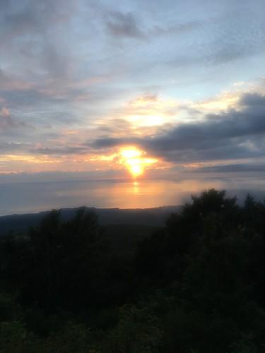 僕が鳥海は夕日がキレイらしいと言ったらその気になったktjが案の定強度上げて調整してきた
