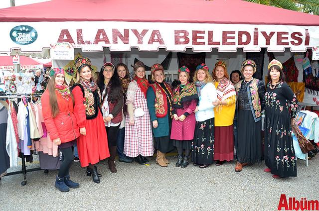 Matryoshka Art Alanya, albüm için poz verdi.