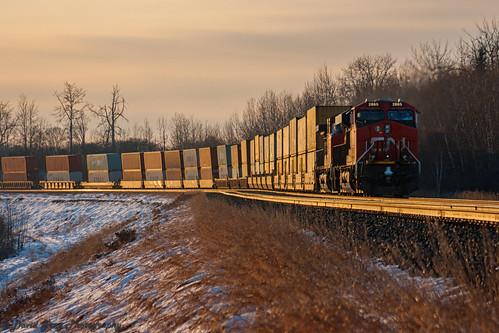 canadian national railway canada alberta carvel explore intermodal sunset sun winter cn cnr cnrail rail glint