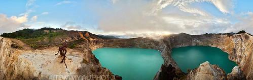 mountkelimutu lakekelimutu kelimutu tiwunuwamurikoofai volcano volcanic kawah crater craterlake sunrise clouds nature outdoors mountain panorama eastnusatenggara flores indonesia