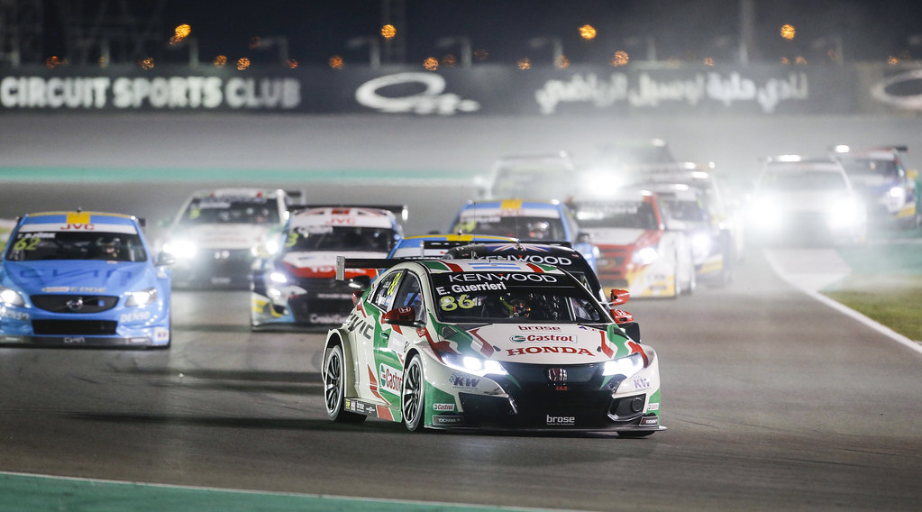 86 GUERRIERI Esteban, (arg), Honda Civic team Castrol Honda WTC, action start race 2 during the 2017 FIA WTCC World Touring Car Championship race at Losail  from November 29 to december 01, Qatar - Photo Francois Flamand / DPPI