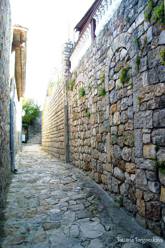 Стены внутри города