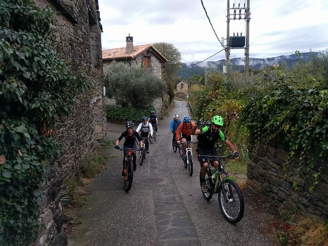 Fin de semana en Ainsa con amigos y mountain bike. Edición 2017