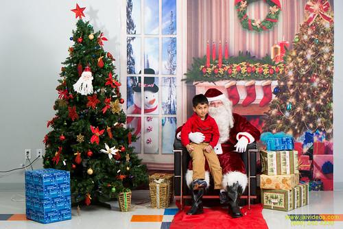 Santa at Teecs-110