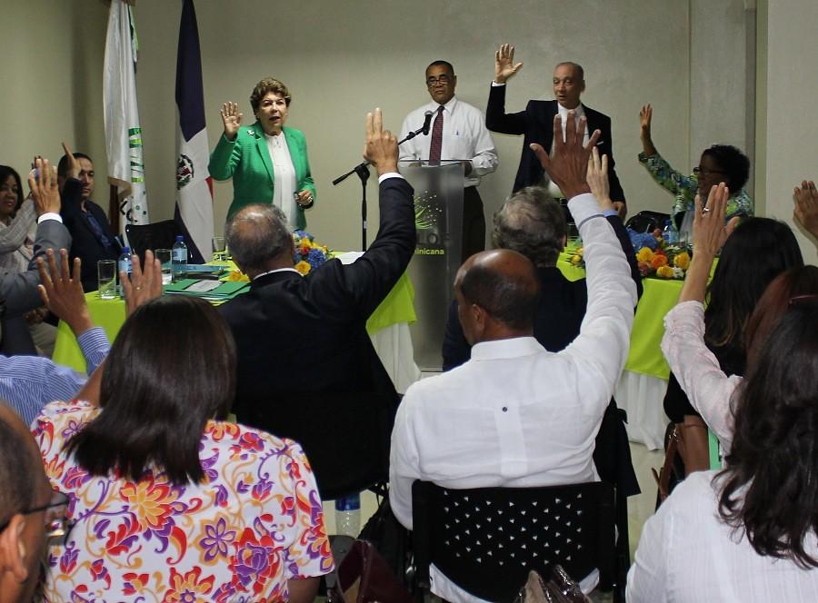 Delegados aprueban estatutos de CoopEclof pw