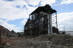 Sur le site des Usines Lambiotte (Prémery, Nièvre)-Dernier bâtiment avant destruction