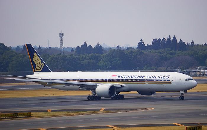 171201 シンガポール航空B777-300外観