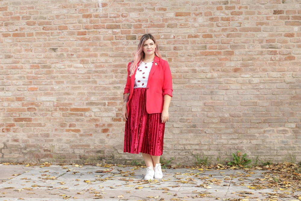 Outfit plus size, rosso su rosso (6)