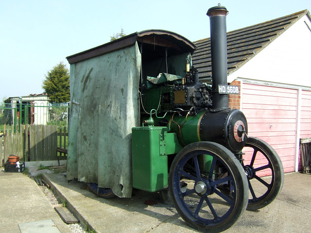Traction engine in Steeple