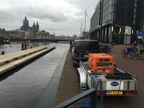 Reparatie werkzaamheden aan Sea palace te Amsterdam