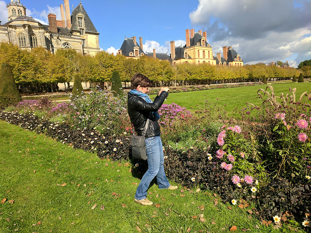 taking photos of the gardens