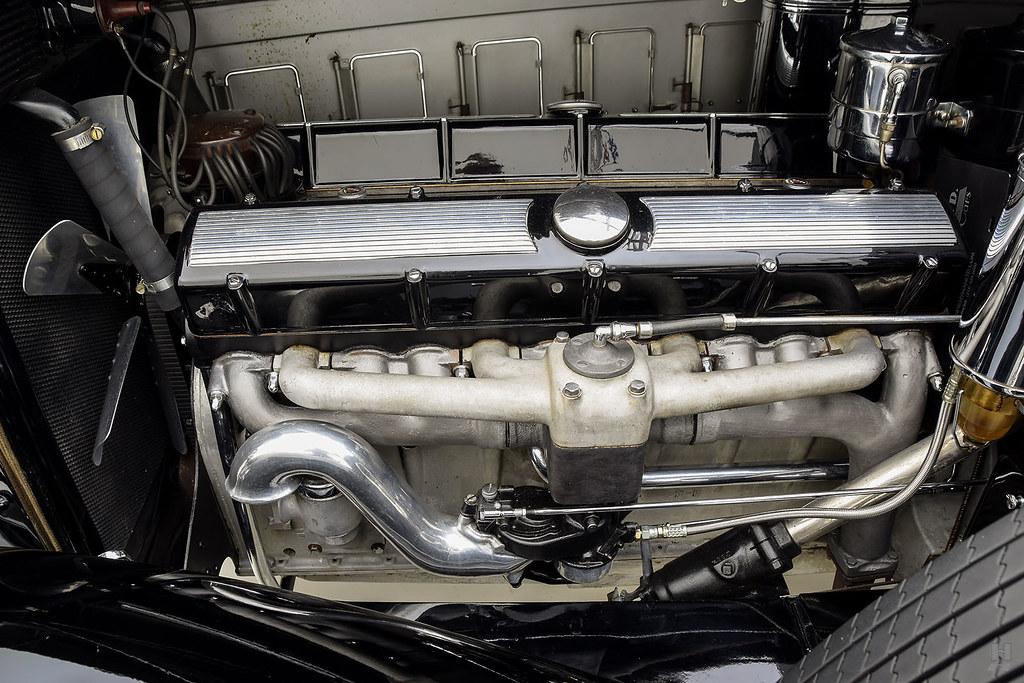 30006_E Cadillac Series 452 Fleetwood 452CI V16 3SPD Limousine_Black Silver