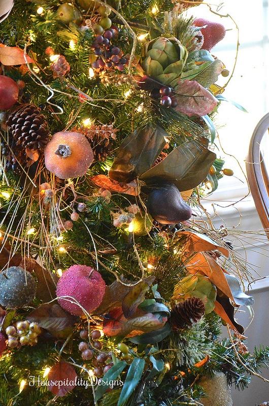 Dining Room Christmas Tree-Housepitality Designs