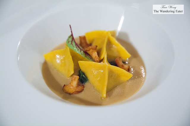 Tortelli di agnello con finferli, cicoria e pecorino | Home made lamb tortelli with chanterelles, chicory and pecorino cheese