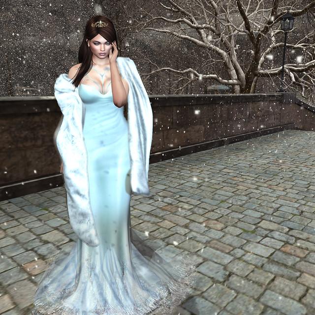 Fabiola gown, Azul @ Winter Trend