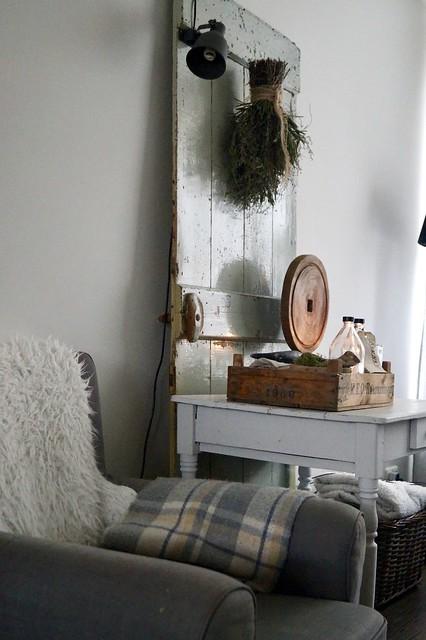 Tafeltje houten kistje houten deur