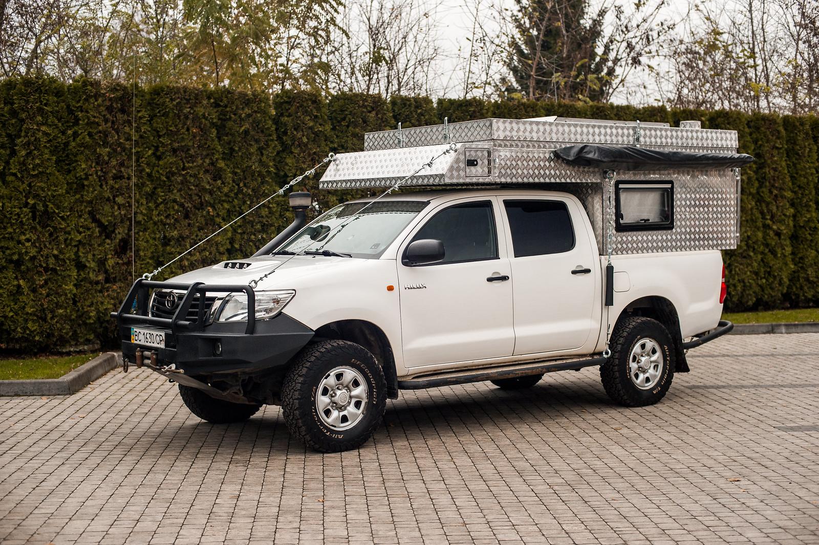 Продам Toyota Hilux Off-Road Camper 38746647781_dfb0100fc0_h