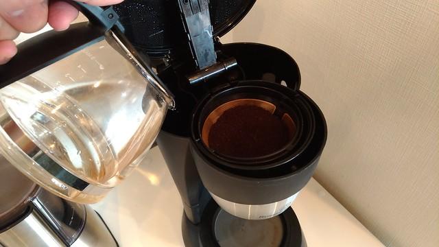 コーヒーメーカーで2カップ分淹れる