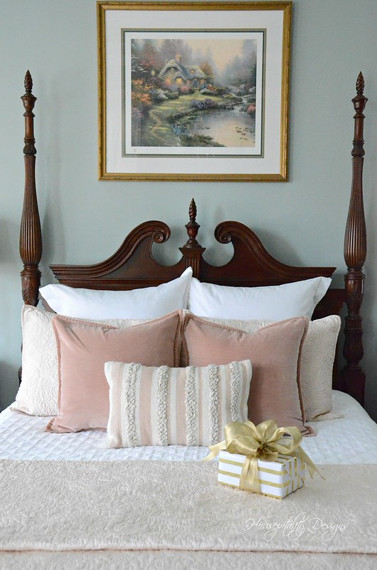 Christmas MasterBedroom-Housepitality Designs-11
