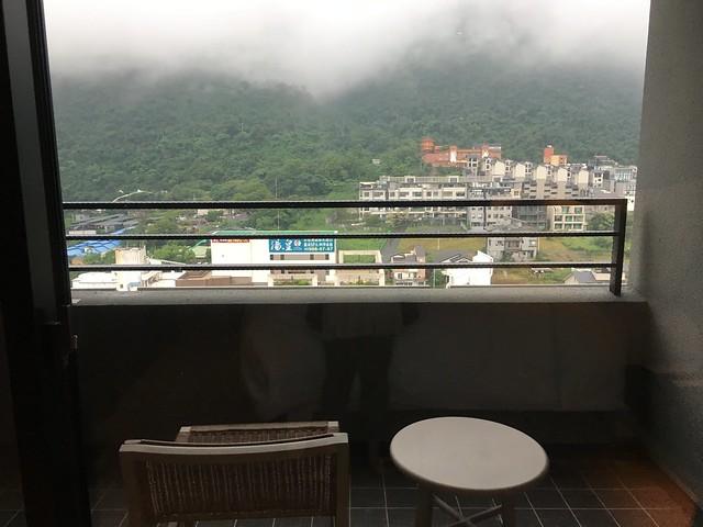 陽台看得到的山景@宜蘭礁溪寒沐酒店