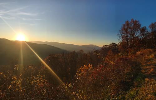 sun sunrise asheville mountains blueridge landscape nature trees valley tree sky clouds