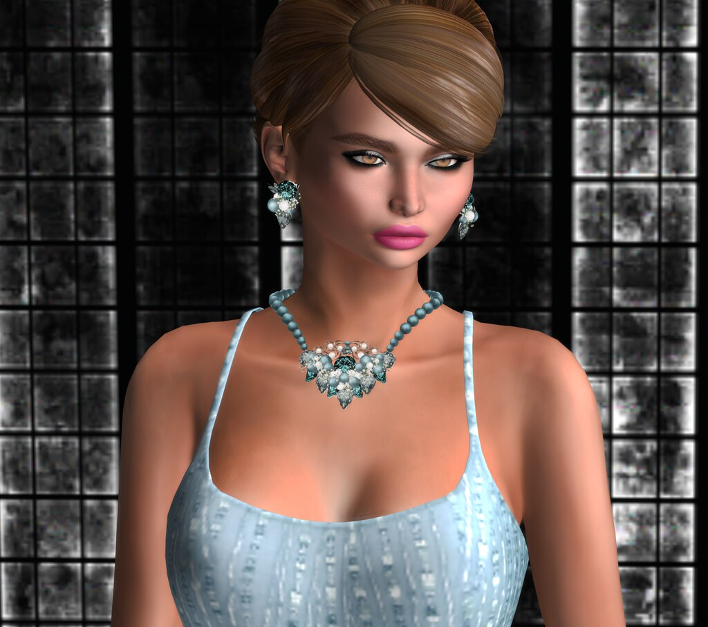 Zuri Rayne Jewelry Norena Star in Sea Weed Topaz