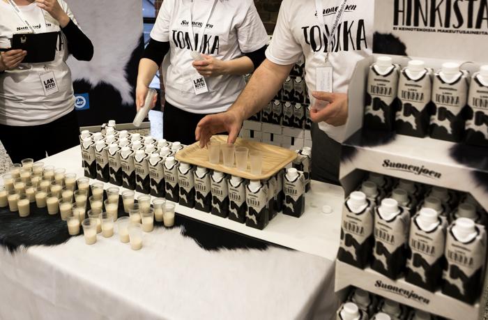 Lakritsa- ja salmiakkifestivaalit 2017 Wanha Satama Helsinki lakumaito lakritsi maito suonenjoki suonenjoen huikkaa hinkistä tonkka_