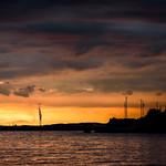 20. Oktoober 2017 - 17:04 - 地平線近くだけわずかに雲が切れている状態の日没時は、予期しない情景を見せてくれる時があります。