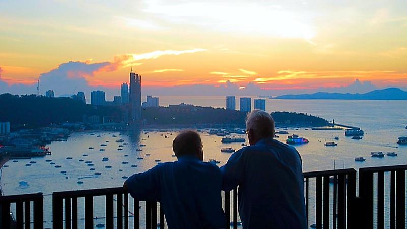 Hilton Pattaya spectacular Sky Bar