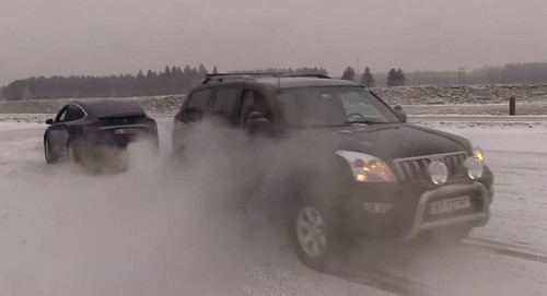 Tesla Model X vs Toyota Land Cruiser Tug Of War: Who Wins?