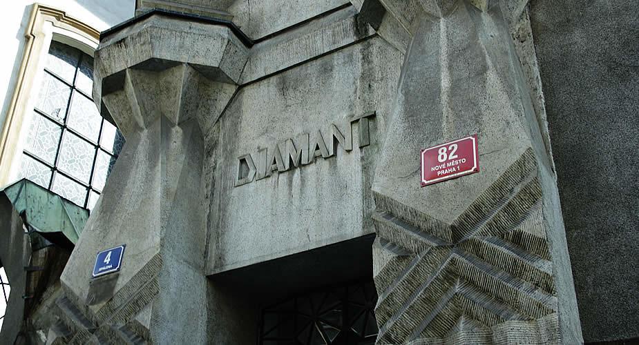 Kubisme: Het Diamanthuis | Mooistestedentrips.nl
