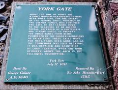 Photo of John Henniker and Henry VIII green plaque