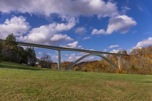 nashville natcheztraceparkway tn tennessee structuresarchitecture arch architecturalelement autumn bridge cathedralarchbridge cloud fall fallcolor unitedstates