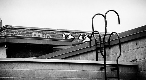 utata:project=tw606 utata:description=hide bw eyes ladder rooftop nelson doctortjeckleburg gatzby