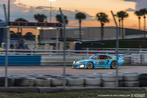 classic12hour hsr historicsportscarracing pistonsandprops sebring sebringinternationalraceway historicracecar motorsports racecar racetrack racing jlpracing porsche 935 sunset sunsetbend