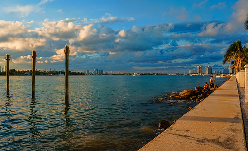 miamibeach afternoon seashore seascape blue bay walking walkingaround waterways people clouds perspective port sky sobe outdoors bayview southbeach westavenue biscaynebay biscaynebaypath