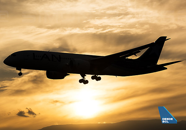 Boeing 787 sunset (S.Blaise)