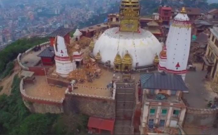 Stupa Swayambhunath pasca gempa bumi Nepal pada Sabtu