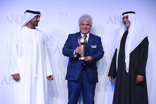Suhel Seth, Managing Partner, Counselage, India, receiving the ABLF Social Influencer Award from H.H. Sheikh Nahayan Mabarak Al Nahayan, Cabinet Member and Minister of Tolerance, UAE
