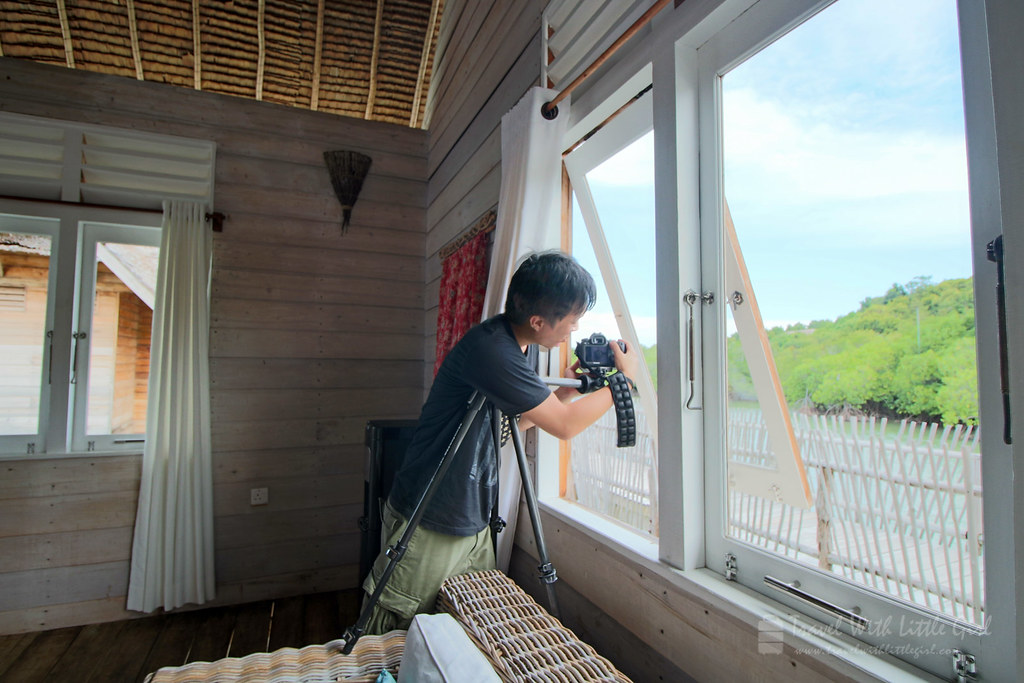 Big boy setting up for a good photo, Telunas Private Island